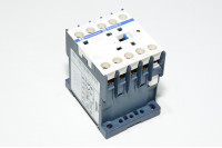 Telemecanique Squre D CA4KN40BW3 10A / 600VAC 24VDC 4x NO kontaktori LED indikaattorilla *uusi*